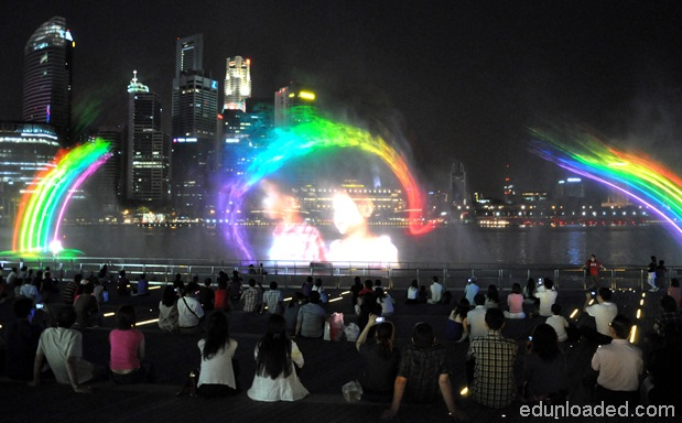 lasershowatMBS thumb Light and Water Show at Marina Bay Sands