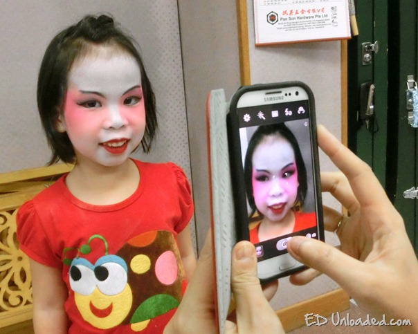 children painted faces