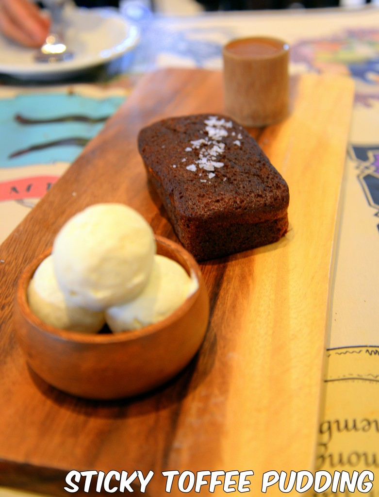 sticky toffee pudding 781x1024 The Halia at Raffles Hotel