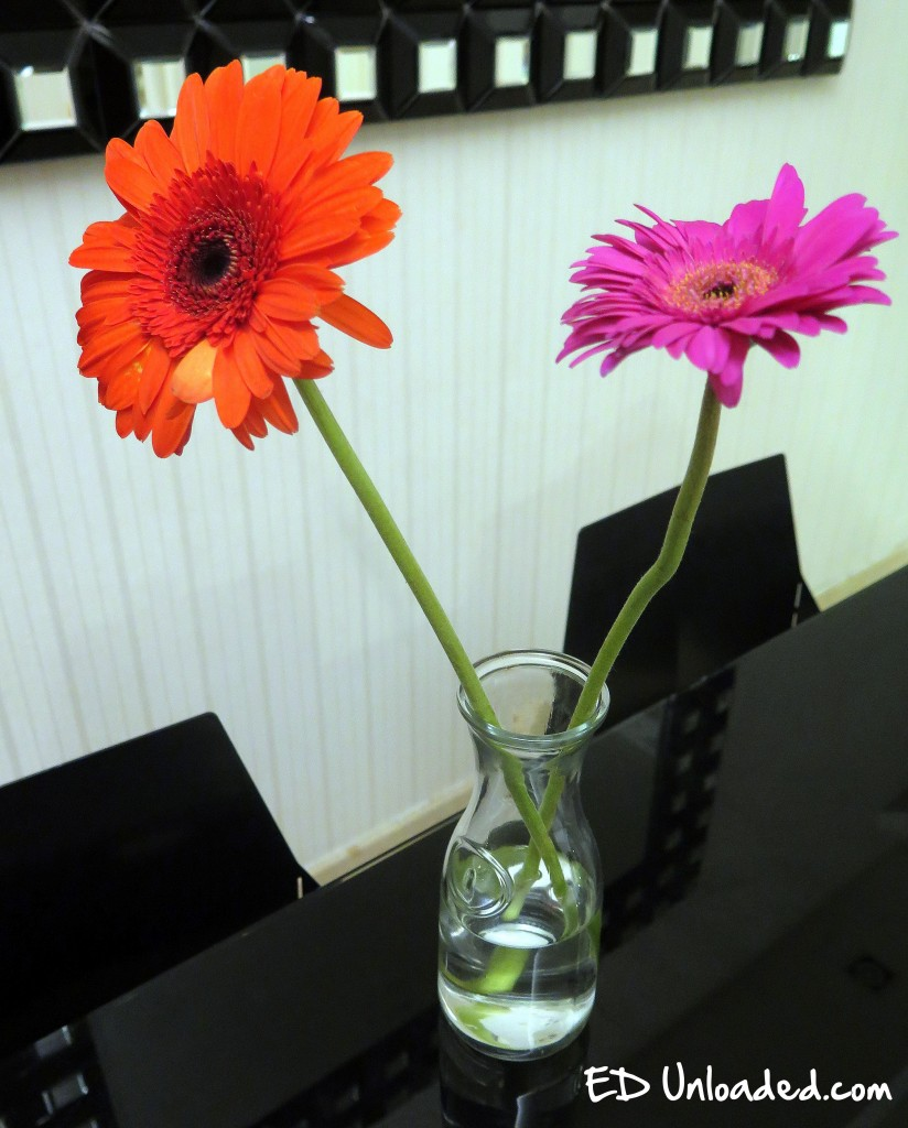 Flowers in vase change water - 1 Change Water In Vases On Alternate Days This Sounds Really Troublesome But Stagnant Water Is One Of The Favorite Breeding Places Of The Aedes