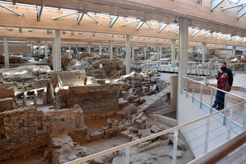 akrotiri archaeological